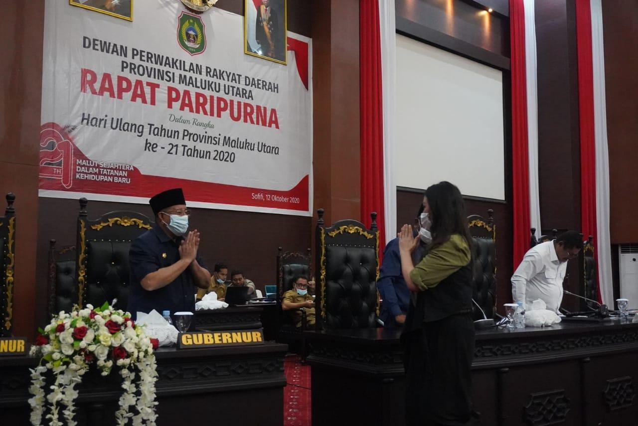 Hadiri Rapat Paripurna, Gubernur Mendengar Penyampaian Hasil Reses DPRD Malut