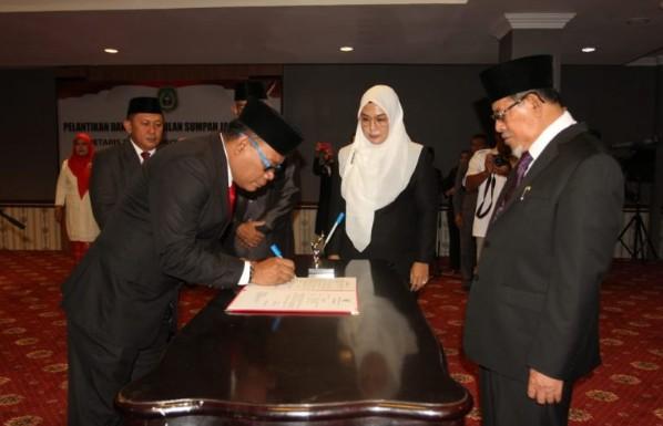 Gubernur Lantik Sekda Malut