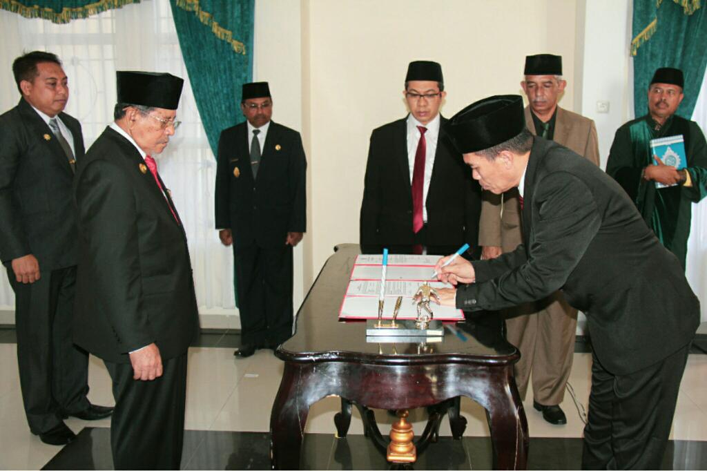 Gubernur Maluku Utara Lantik Pj Sekretaris Daerah